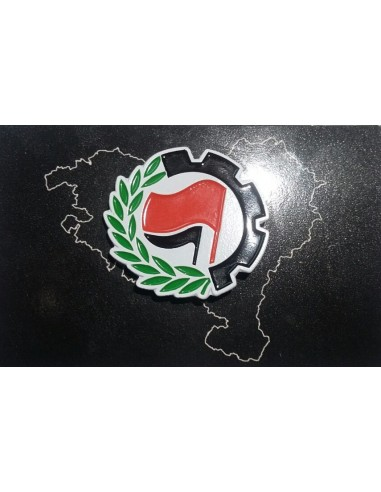 Pin antifascista