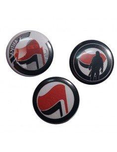 Tres chapas antifascistas 1