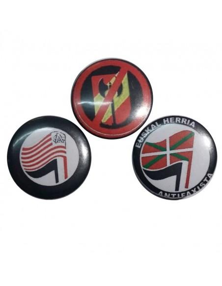 Tres chapas antifascistas 3