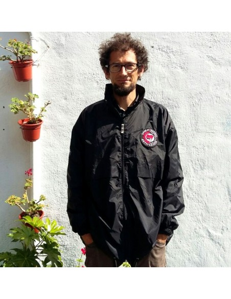 Chubasquero Euskal Herria Antifaxista