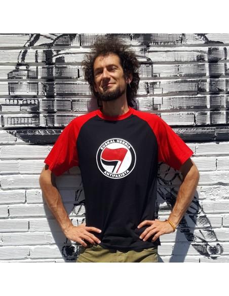 Camiseta negra y roja Euskal Herria Antifaxista