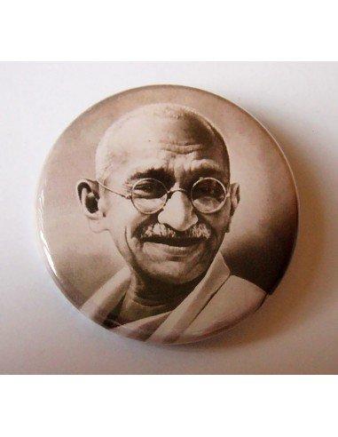 Chapa Gandhi (No violencia)