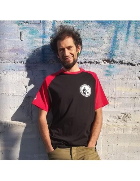 Camiseta oroimena duintasuna borroka antifaxista