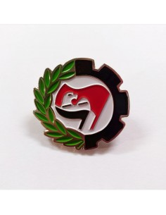 Insignia antifascista con arrano beltza
