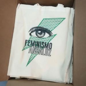 Bolsa de algodón ecológico estampada con un visual de feminismo andaluz